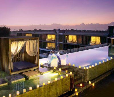 watermark hotel roof pool