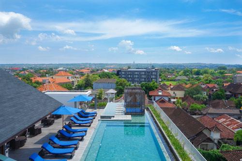 watermark hotel roof top pool